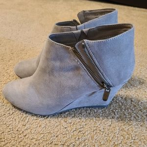 Chinese Laundry Women's Ankle Wedge Booties